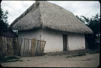 Casa - barrique y paja, Tolima, Colombia
